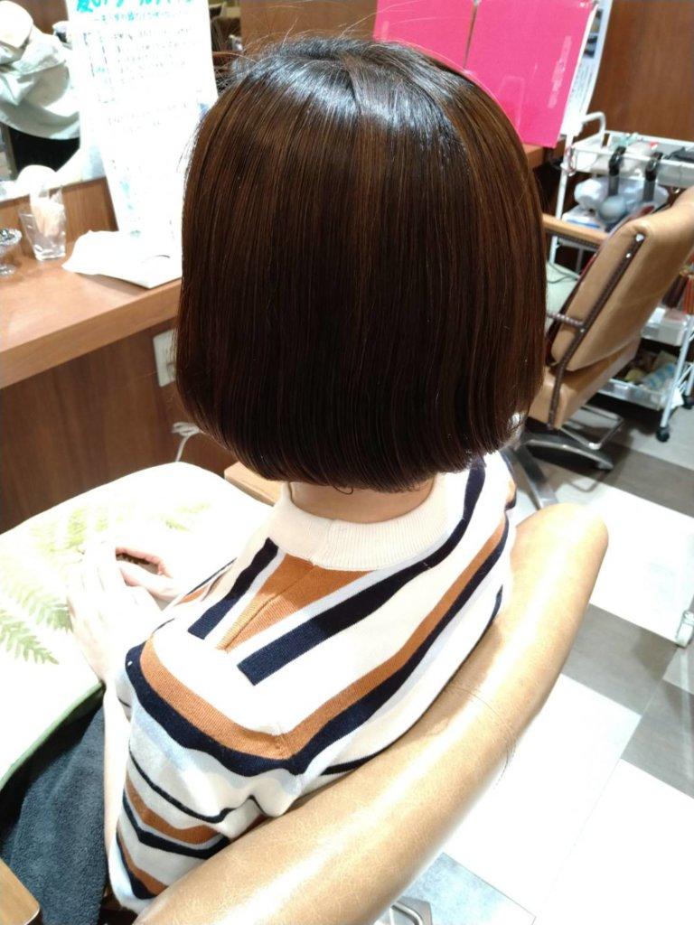 ブークル人気の酸性ストレート(縮毛矯正)で憧れのサラツヤ髪に大変身♪