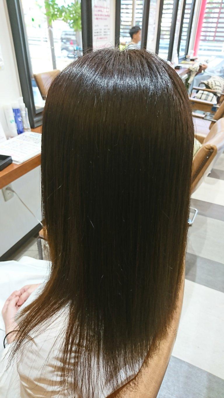 乾燥で髪が広がりまとまらないあなたにオススメ!ブークル人気の酸性ストレート!